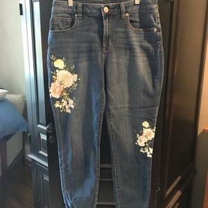 Maurices Floral Embellished Cropped Denim Capris